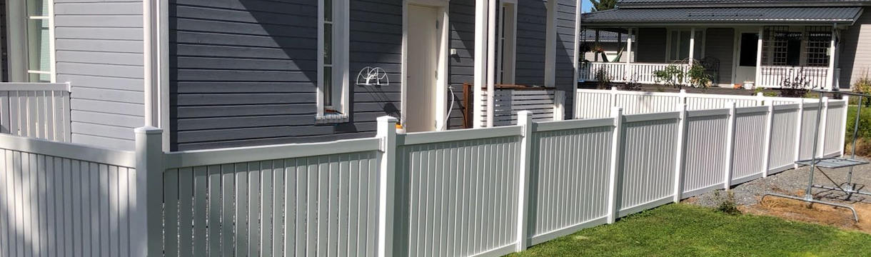 Vinyl fences for new houses